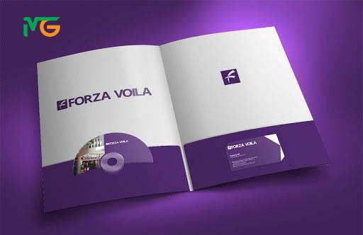 Mẫu thiết kế folder có khe đựng CD và card visit